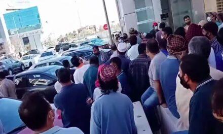 إضراب عمال أجانب بالسعودية لم يتلقوا أجورهم منذ 10 أشهر!