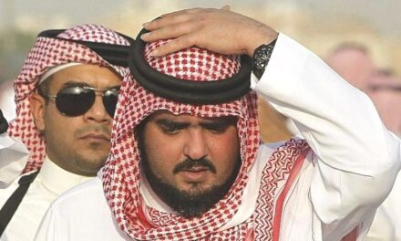 """إجراءات انتقامية من """"ابن سلمان"""" ضد أمير سعودي أساء لـ""""ابن زايد"""""""