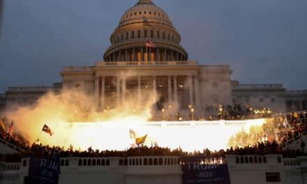 """""""مجتهد"""" يكشف الصلة بين """"ابن سلمان"""" وأحداث الانقلاب الأخيرة بأمريكا"""