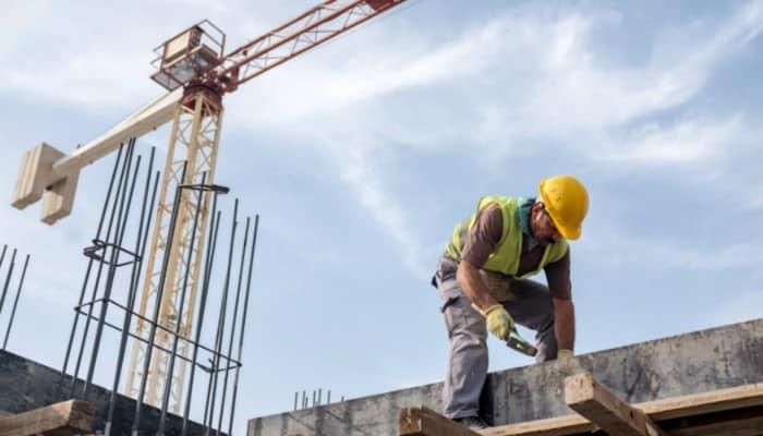 بلومبرج: إلغاء نظام الكفالة بالسعودية فرض قيودًا قاسية على العمالة الأجنبية