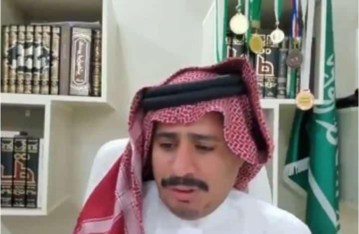 صحفي سعودي يوبخ السفير الإماراتي بالكيان الصهيوني
