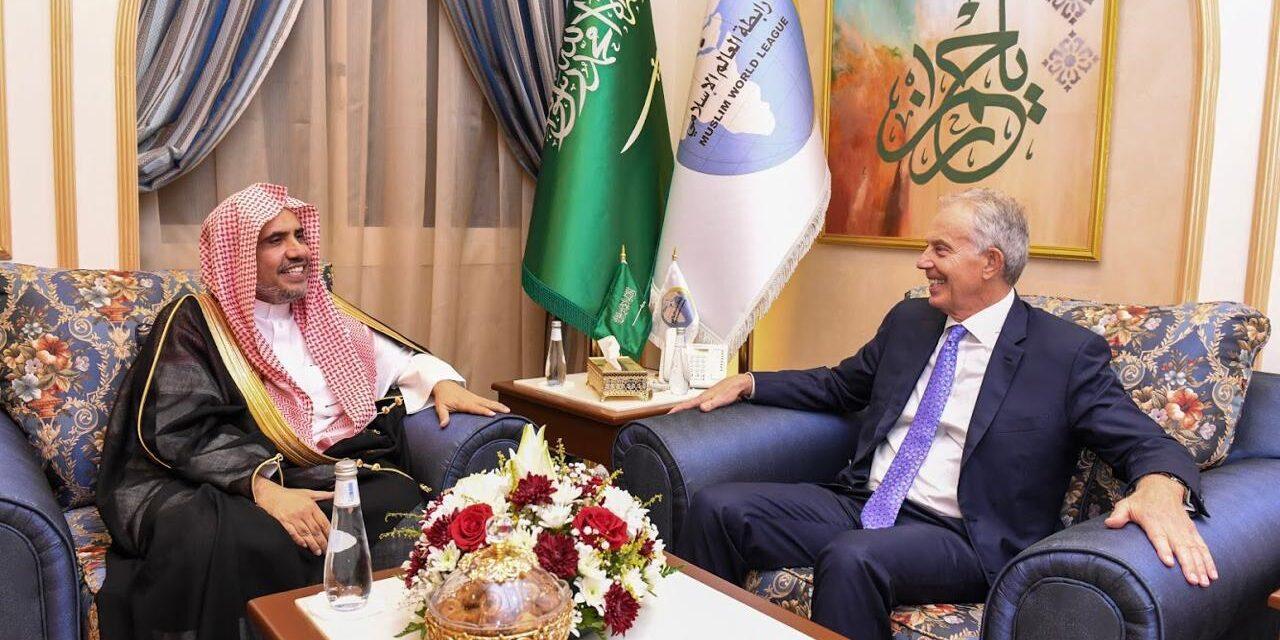 توني بلير.. ما سر تهافت السعودية والإمارات على الاستعانة بمجرم حرب؟
